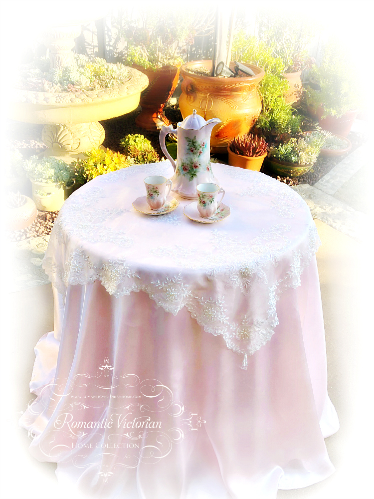 Image 0 of Romantic Victorian Tea Table Beaded Topper