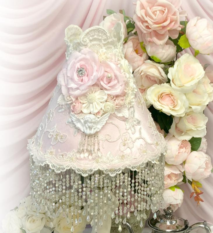 Image 1 of Climbing Roses Cherub Lamp Shade