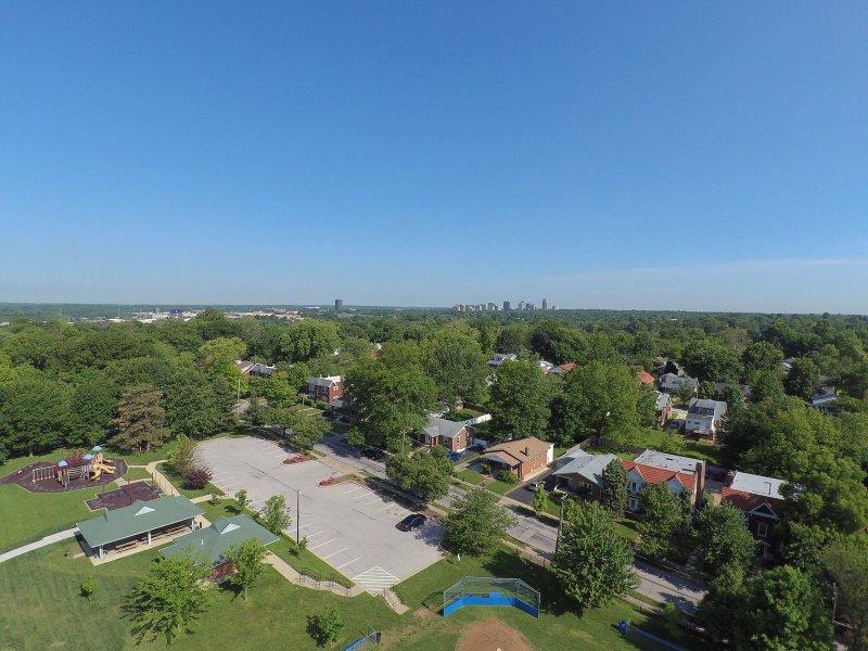 Image 6 of Autel X-Star Premium Drone 4K Camera, 1.2-mile Live View (White)