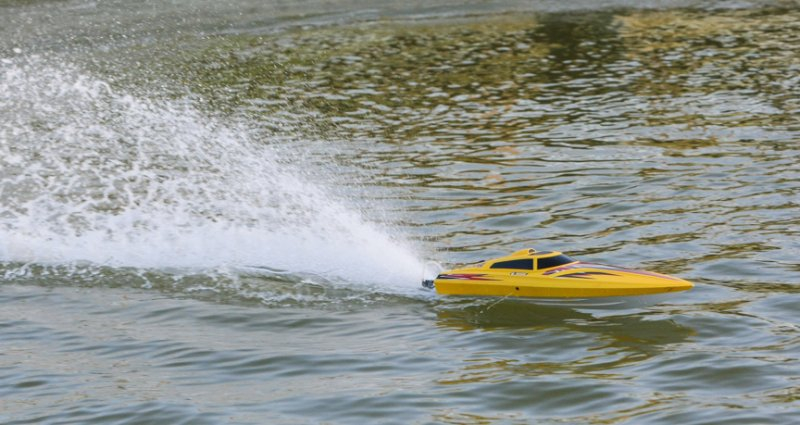 Image 3 of Rage Velocity 800 BL Brushless Deep Vee Offshore Boat, RTR
