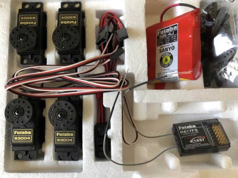 Image 0 of Futaba RS617FS Receiver w/ 4x S3004 Futaba Servos & battery - Combo