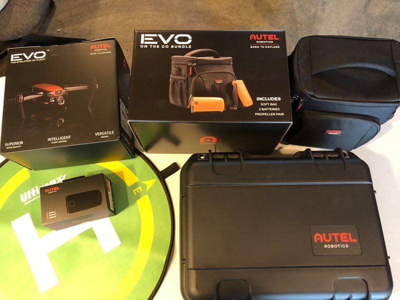 Image 0 of Autel Evo drone 4K 60 frames per sec, with case, soft case & 3 batteries complet