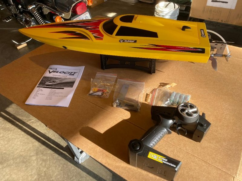 Image 0 of Rage R/C - Velocity 800 BL Brushless Deep Vee Offshore Boat, RTR w/lipos