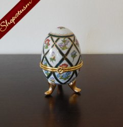 Porcelain Hand Painted Green Gold Floral Fabulous Egg My Treasure