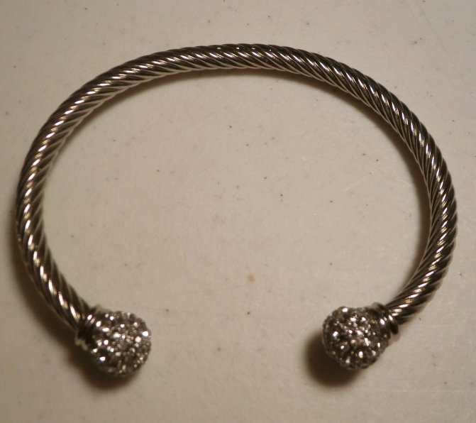 Must have retired premier designs cuff bracelet for Premier jewelry catalog 2011