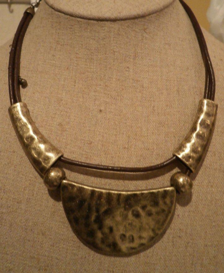 ARTISAN Premier Designs Necklace