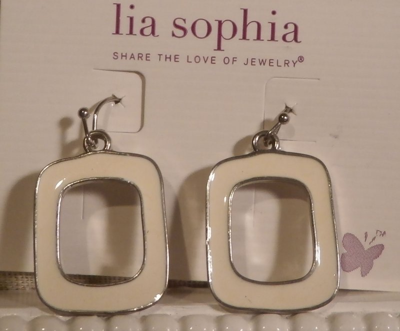Shop now › $ 99 $ 99 $ Lia Sophia Jewelry Silver VOLTAGE Dangle Earrings RV$42 New with tags. BALANCE Retired lia sophia hoop earrings. by Lia Sophia. $ $ 22 00 + $ shipping. Product Features Lia earrings. Amazon's Choice for