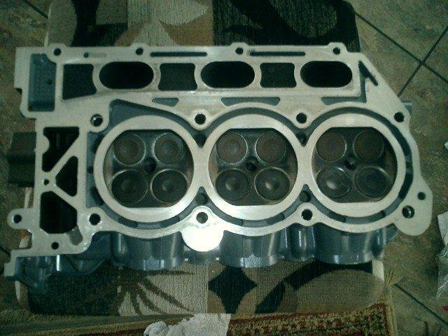 Image 1 of SUZUKI 200HP 225HP 250HP SUZUKI 4 STROKE POWERHEAD AND CYLINDER HEADS