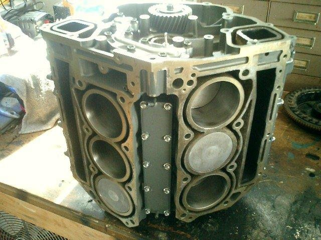 Image 3 of SUZUKI 200HP 225HP 250HP SUZUKI 4 STROKE POWERHEAD AND CYLINDER HEADS
