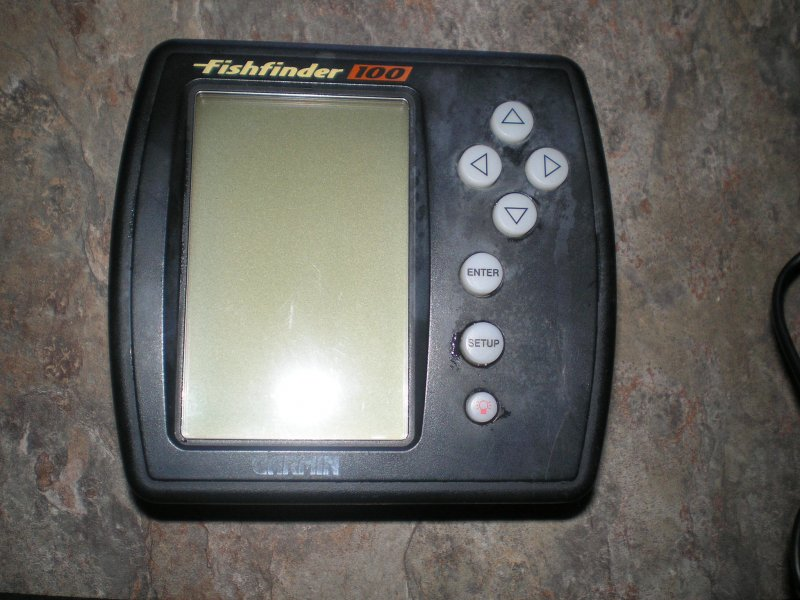 Image 0 of Garmin fishfinder 100 for parts only