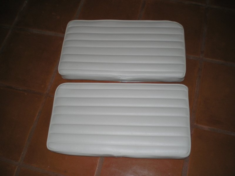 Image 0 of Clearwater 190 DCC Seat Cushions (New)