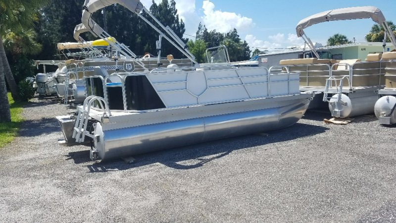 Image 1 of 2016  16' pontoon with trailer and engine