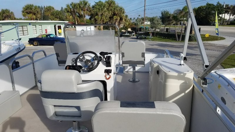 Image 4 of 2015  16' pontoon with trailer & 50Hp Honda 4 stroke