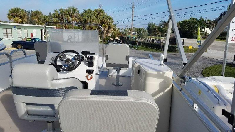 Image 9 of 2015  16' pontoon with trailer & 50Hp Honda 4 stroke