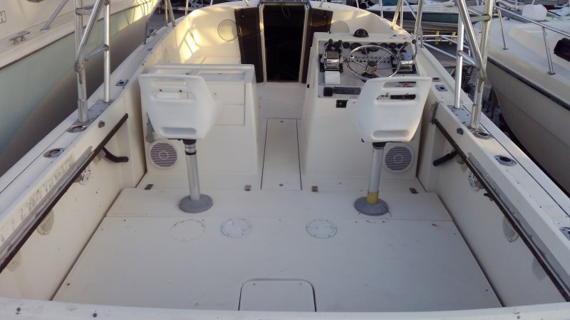 Image 5 of TIARA 2700 OFFSHORE CHARTER FISHING BOAT  $19,500 year 1988