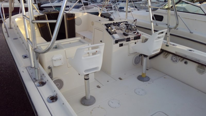 Image 6 of TIARA 2700 OFFSHORE CHARTER FISHING BOAT  $19,500 year 1988